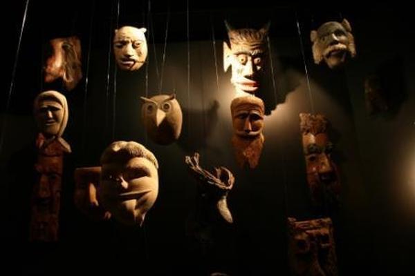 Piccoli musei narranti: le maschere
