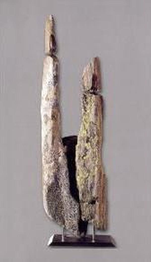 La stele, tra archeologia e artigianato