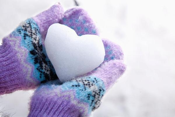 Coccolare le mani in inverno