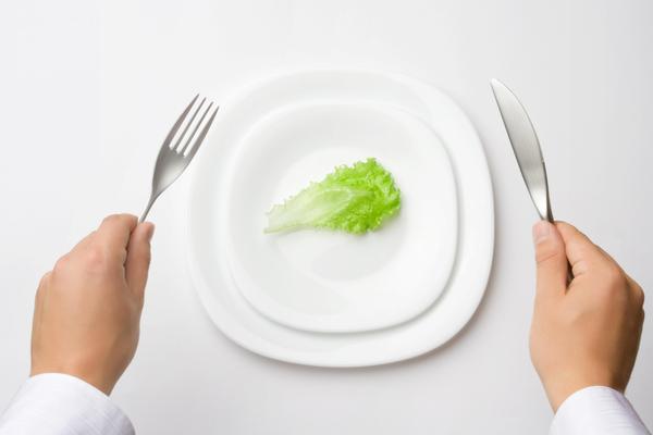Drastiche diete ipocaloriche: ecco perché non funzionano